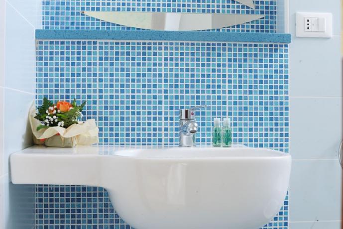 Camere con bagno privato a Terracina