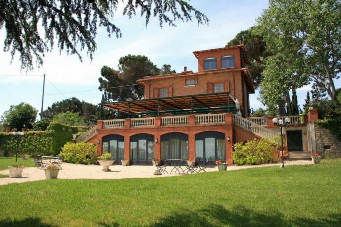 Dimora Bellosguardo con balcone e ampio soggiorno