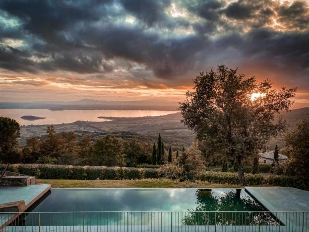 Vacanza in villa, piscina panoramica Lago Trasimeno