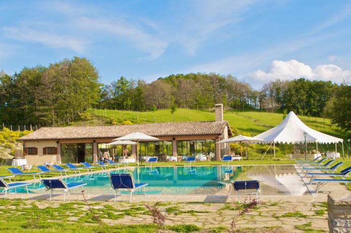 Natural Wellness Resort in Umbria - piscina panoramica