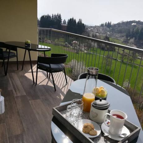 Colazione in Terrazza  Dolomiti-Trentino B&B vicino impianti