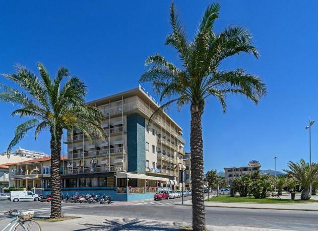 Hotel Fronte Mare con Spiaggia-Privata a Lido-di-Camaiore