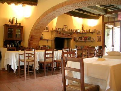 Ristorante interno tipico aperto a cena