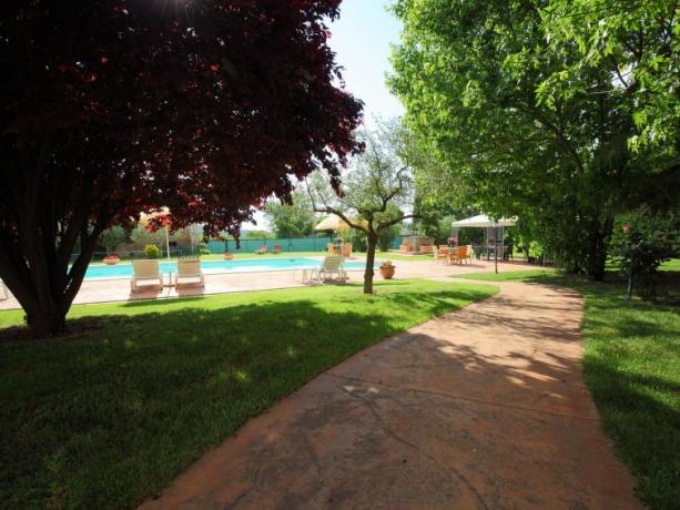 Giardino con Piscina a Bettona Villa Vacanze