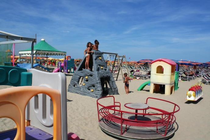 Giochi per bambini in spiaggia a Cervia
