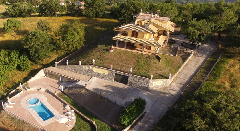 Villa vista Lago di Bolsena con Piscina
