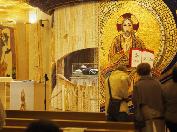 Padre Pio venerazione del pubblico