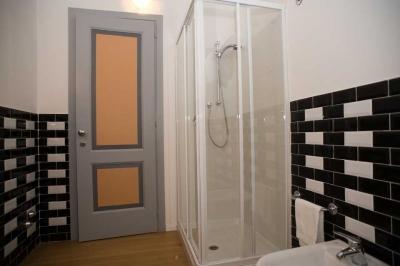 Bagno in stile moderno in residenza di charme