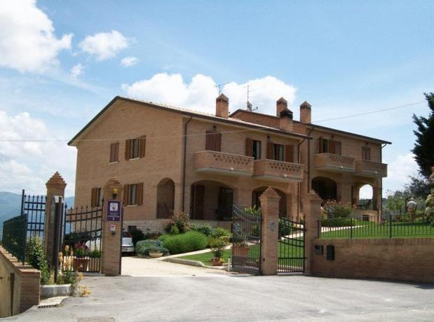 Panoramica sulla Valle Umbra Sud - Casa Vacanze Montepennino