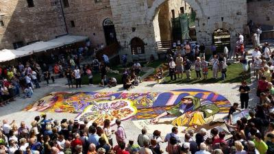 infiorata-spello-weekend-infiorata