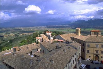 Vista dalla pizza principale del Comune di Montefa