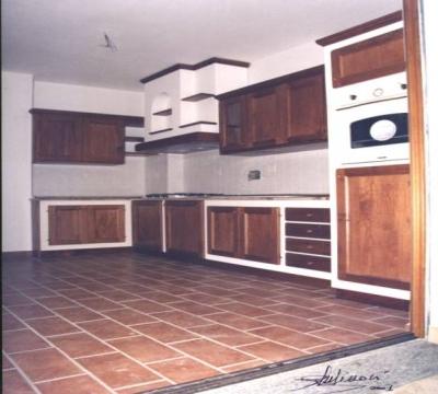 Cucina finta muratura, vendita a Spello Cucine Legno Massello ...