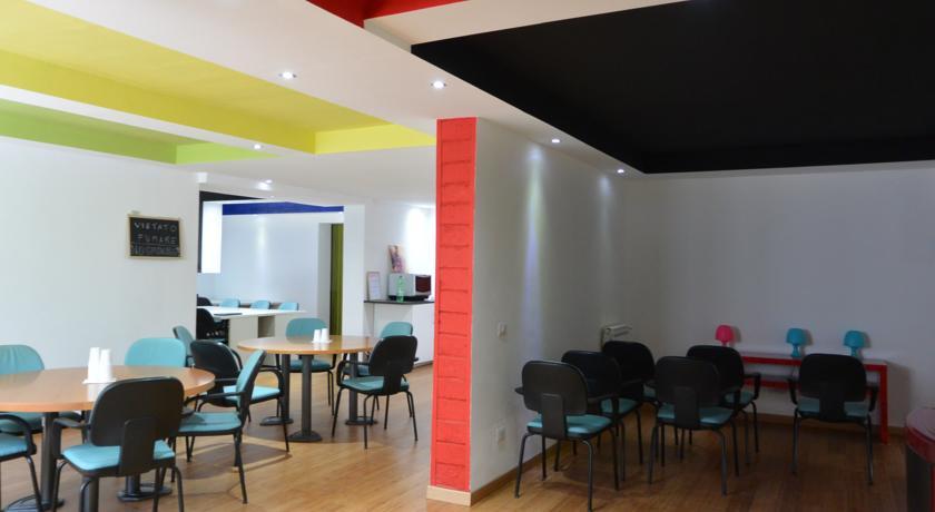 Camere economiche con WiFi Parcheggio a Pavia