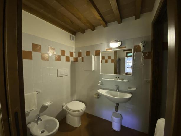 AgillaeTrasimeno- Bagno privato camera da letto appartamento 4+2