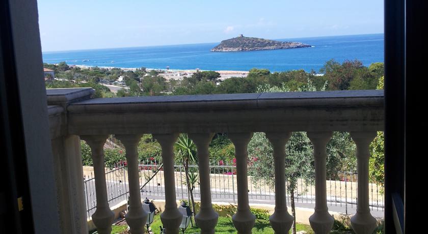 Hotel Relax vista Isola di Cirella Diamante