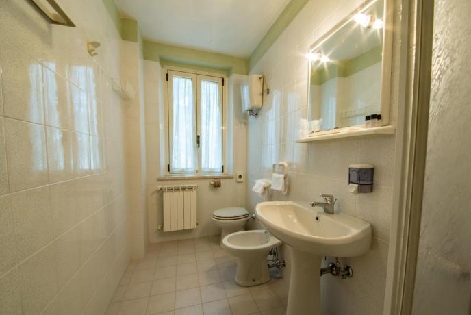 Bagno con doccia nel country house Assisi
