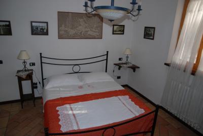 Camera matrimoniale dell'appartamento vecchio essiccatoio