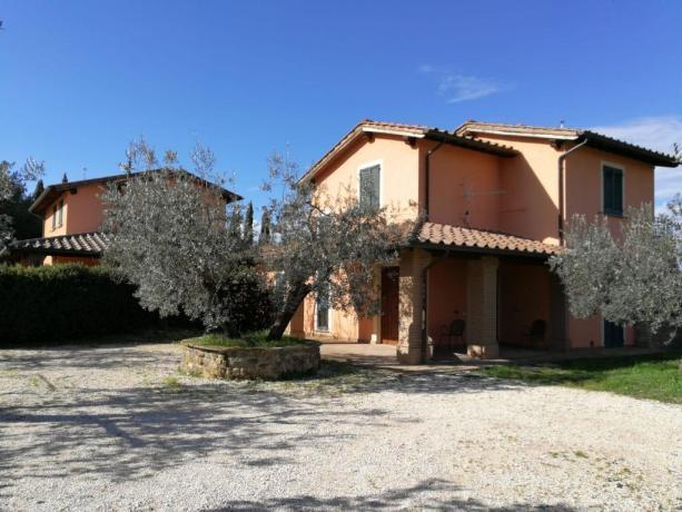 Agriturismo in Umbria con Vendita-Olio-Bettona