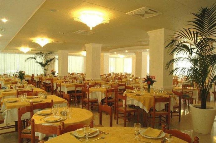 Hotel con Ristorante climatizzato riscaldato a Cervia
