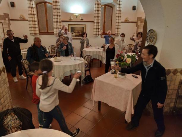 Ristorante Ideale per Famiglie in Hotel-Chiascio Vicino Assisi