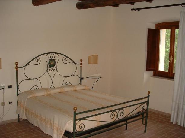 Camera matrimoniale Residence Piediluco