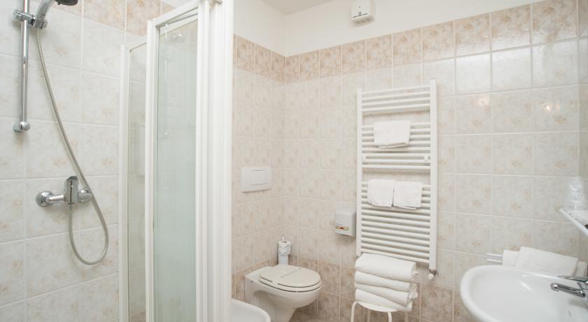 Bagno privato in Camera Hotel a basso prezzo