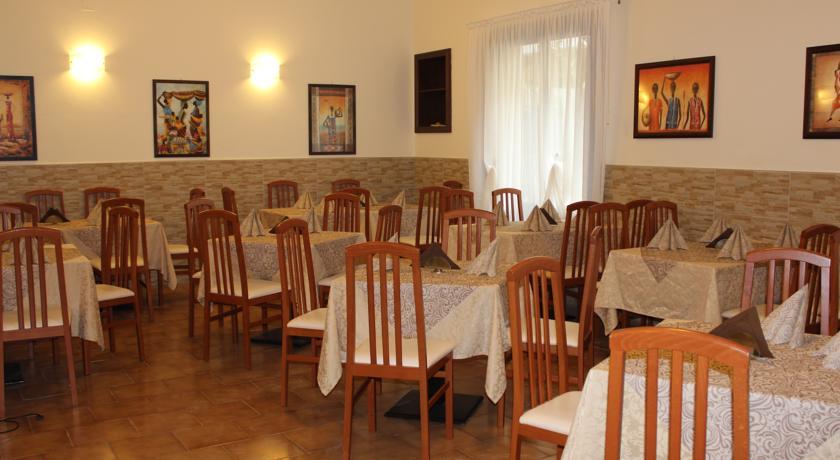Hotel con Ristorante vicino al Mare di Rimini
