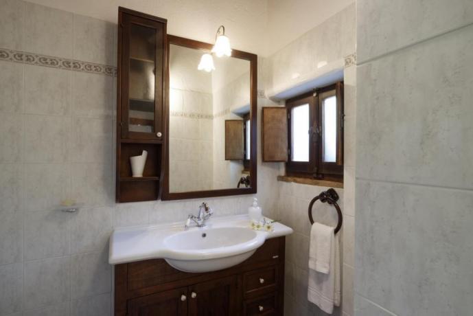 Bagno Appartamento-Clara in borgo-medievale Borgo-sul-Clitunno Umbria