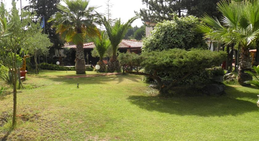 Camere Villa Privata a Nicolosi vista Etna
