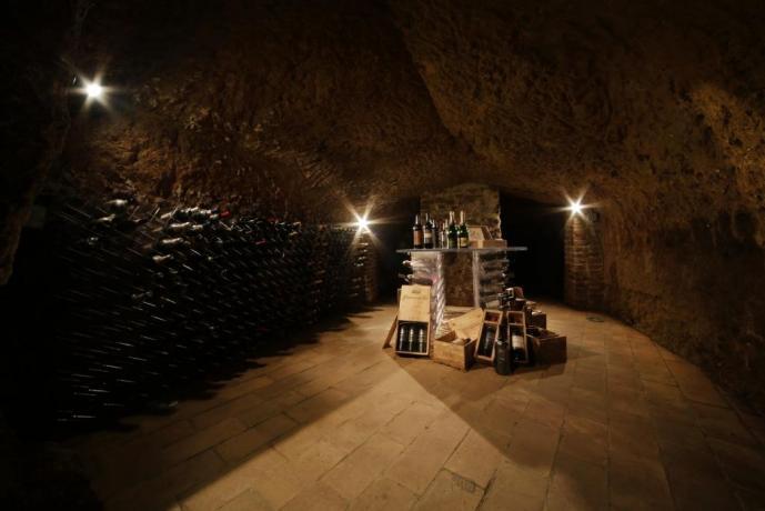 Cantina in grotta, Umbria Resort Orvieto Terni