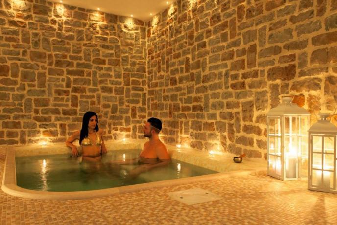 Centro benessere con minipiscina idromassaggio Perugia