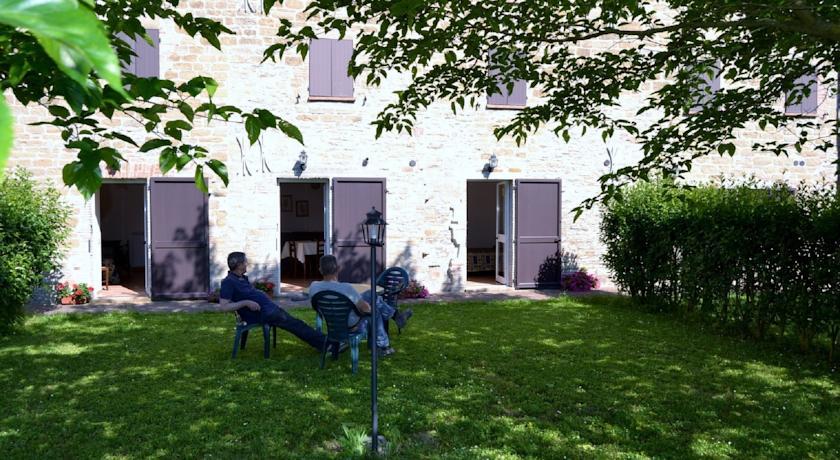 Appartamenti al piano terra con giardino