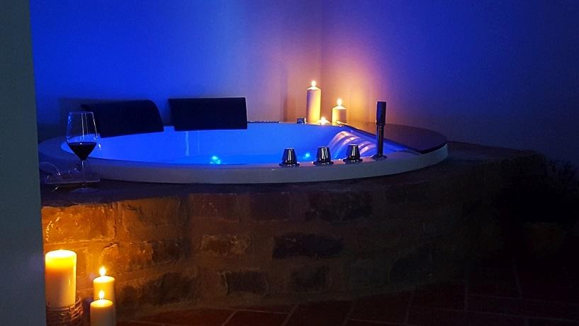 Suite con Vasca idromassaggio e Sauna in Toscana
