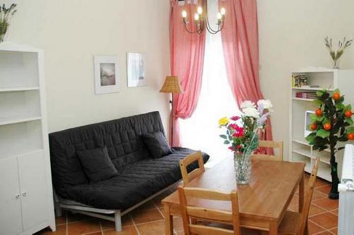 Salotto appartamento residence vicino Lago Vico