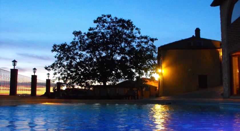 Country House con piscina a terrazzo
