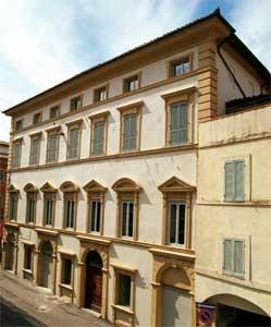 Plazzo Lezi - Marchetti  sec XVII-XVIII  Foligno (