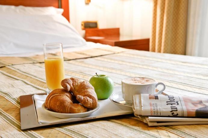 Hotel con colazione in Camera: H. Cannara