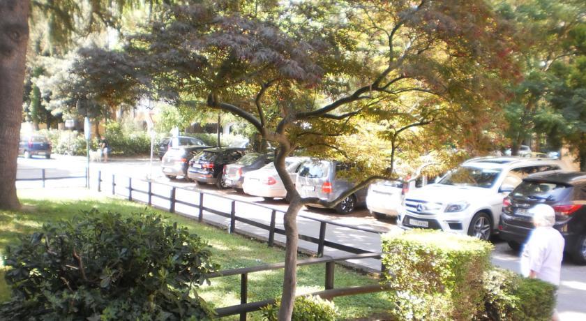 Hotel con parcheggio a Grado