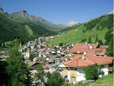 Cottages and chalet, winterholiday in Arabba