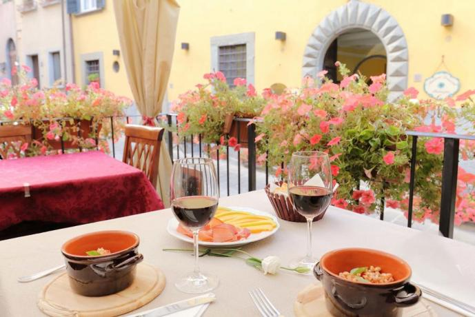 Piatti freddi per i clienti del palazzo antico
