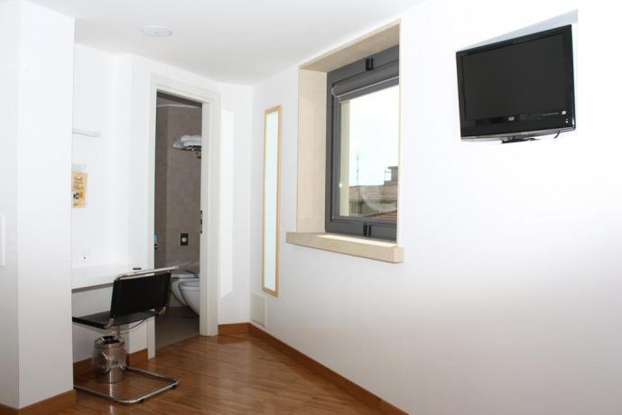 Appartamenti con arredi nuovi, eleganti a Fondi