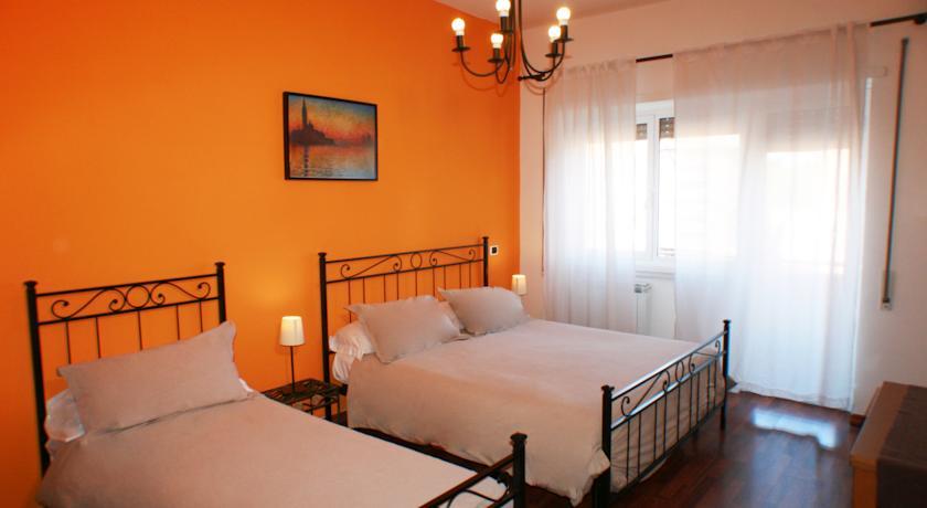 Camera Tripla con balcone in affittacamere nel Lazio