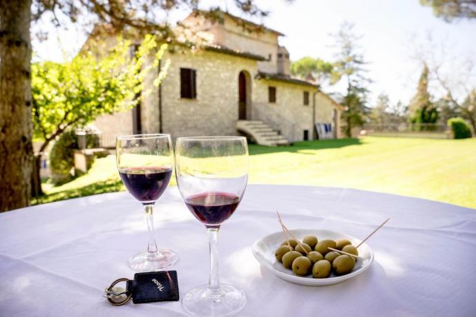 Casale ad Assisi vicino Perugia con piscina