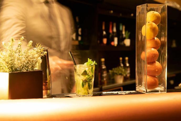 Cocktail bar vicino Milano a Bordo Piscina