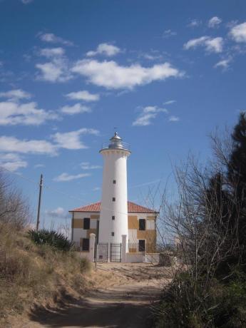 Faro nel paesaggio vicino Bibione