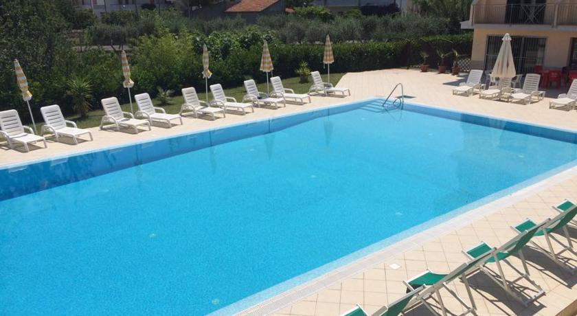 Hotel con Piscina a S.Maria del Cedro