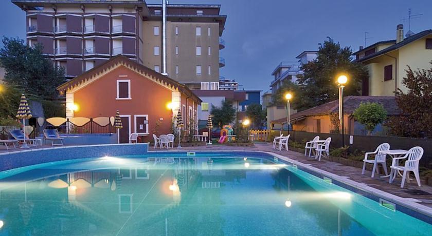 Albergo a Bellaria con piscina e solarium