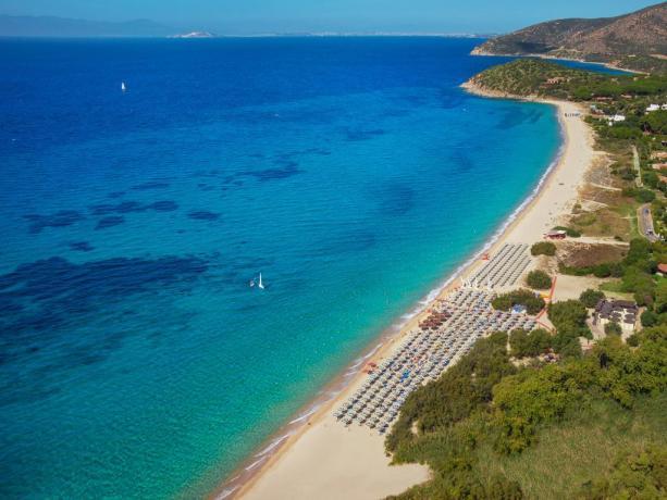 Sardegna: Villaggio di Lusso sul Mare con Animazione