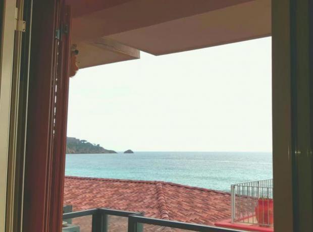 Appartamento con Balcone-Privato vista Mare a Taormina