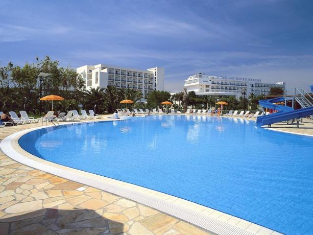 Sul Golfo di Taranto, Mare Ionio, Villaggio Turistico con Piscine per Adulti e Bambini, Parco Acquatico con scivoli, Animazione, Impianti Sportivi e Spiaggia di Sabbia